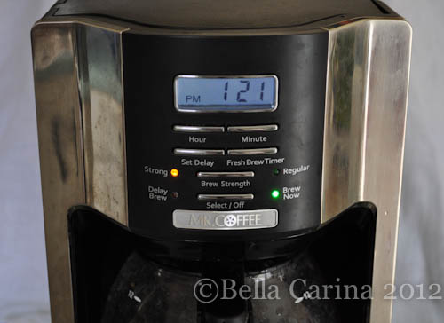 Confessions Of A Starbucks Barista How To Clean Your Coffee Maker